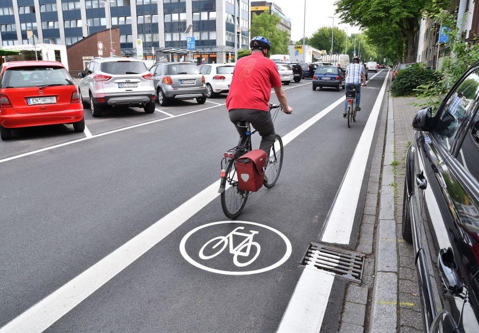 Sicher auf den Straßen in Bonn radeln!
